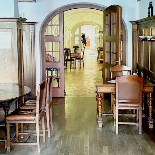 Eingangsbereich zum Restaurant im Hotel alte Post
